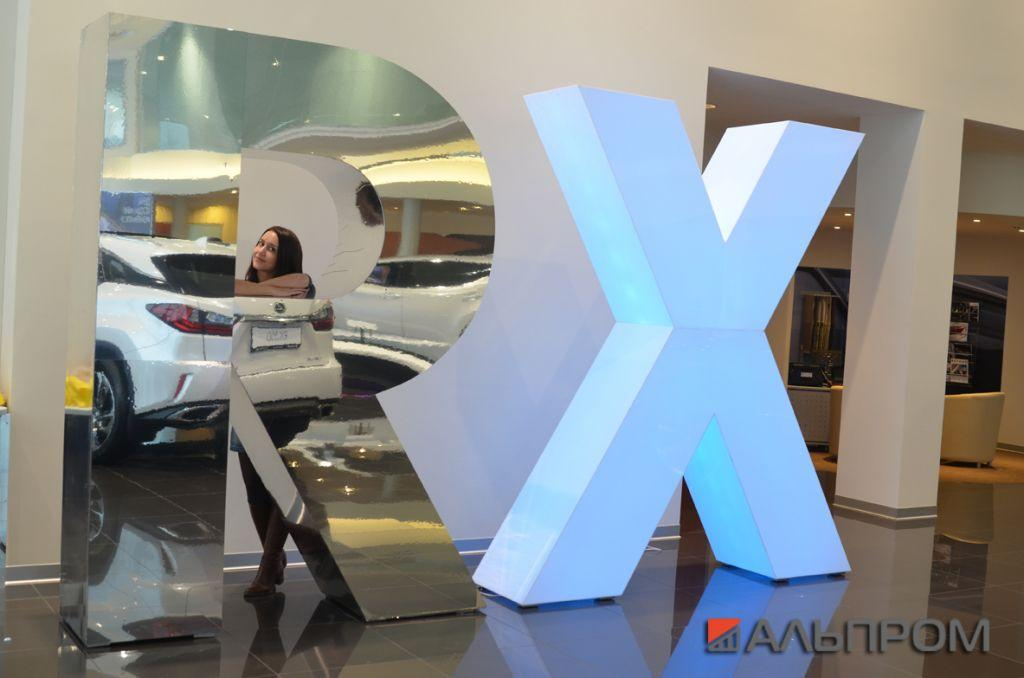 Объемные буквы Lexus