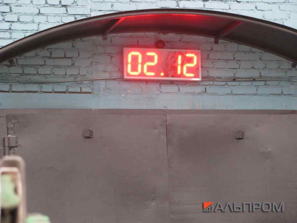Электронные светодиодные часы термометр для нефтяников в Новокуйбышевске